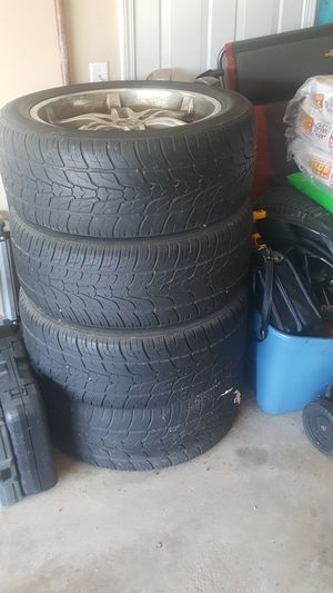 305/45/22 Good condition rims and tires. Chevy truck bolt pattern. They came off of a Chevy Avalanche. for Sale in Bloomington, IL