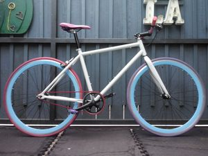 2019 PUREFIX SINGLE-SPEED CITY COMMUTER BIKE *LIKE NEW! *ALL CUSTOM *BARELY USED! *TUNED UP! *READY to RIDE! for Sale in Santa Monica, CA