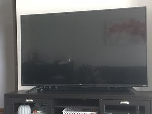 """60"""" LG HDTV for Sale in Parma, OH"""