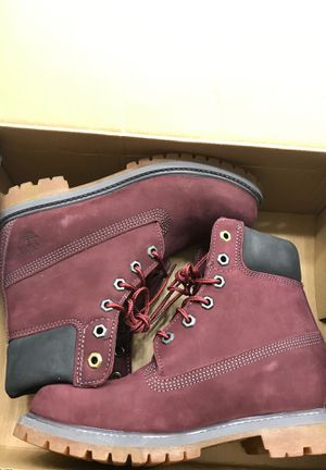 Dark Red women's size 7.5 Timberlands boots. for Sale in Pittsburg, CA