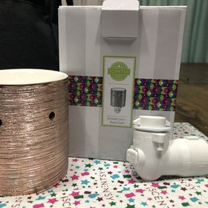 Scentsy Mini Warmer Of The Month for Sale in Spanaway, WA