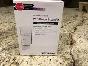 New Netgear AC1900 WiFi Range Extender Essential Edition - White (EX6400) for Sale in Coachella, CA