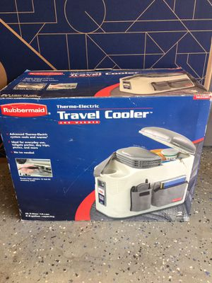 NEW IN BOX Rubbermaid Thermo Electric Car Travel Cooler & Warmer for Sale in Santee, CA