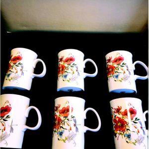 Gucci Vintage Flora 6 Mugs for Sale in Hyattsville, MD