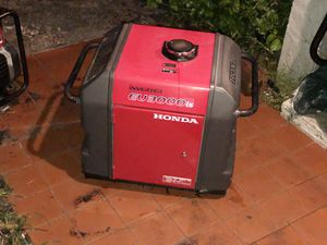 HONDA EU3000is Inverter Quiet Generator [Turns on & turning off] ONLY 1300 for Sale in Miami, FL