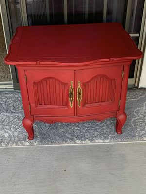 2 Very Nice Accent Tables for Sale in Fresno, CA