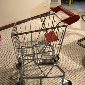 Melissa And Doug Shopping Cart for Sale in Oswego, IL
