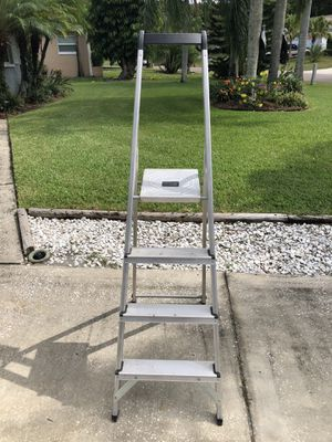 Step Ladder 225lbs max weight for Sale in Palm Harbor, FL