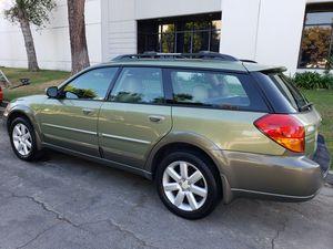 Subaru outback 2.5 limited for Sale in Santa Ana, CA