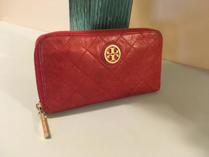 Authentic Tory burch wallet for Sale in Fairfax, VA