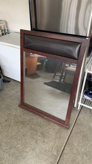 Dresser mirror for Sale in Fontana, CA
