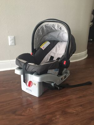 Graco Click Connect Infant Car seat with base for Sale in Largo, FL