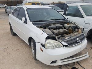 2006 Suzuki Forenza for parts 046381 for Sale in Las Vegas, NV