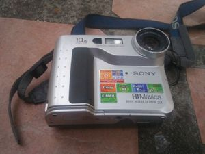 Sony video camera/ needs battery and charger for Sale in Irving, TX