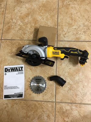 DEWALT ATOMIC 20-Volt MAX Cordless 4-1/2 in. Circular Saw ( Tool Only ) Model DCS571 for Sale in Phoenix, AZ