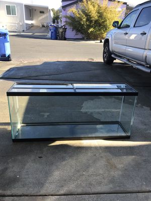 55 gallon tank with cover for Sale in Fremont, CA