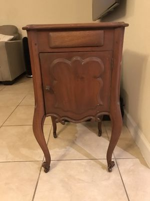 Antique Side Table for Sale in Miami, FL
