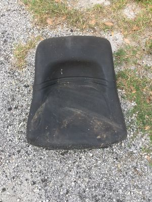 ((Seat)) yard machine riding mower for Sale in Lakeland, FL