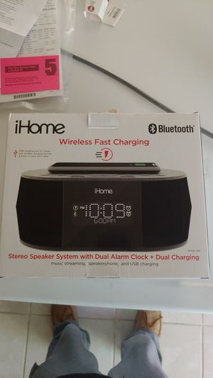 Stereo clock with Wireless charging for Sale in Post Falls, ID