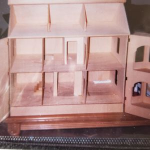 Collectable WOODEN DOLL HOUSE for Sale in San Diego, CA