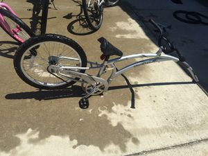 Nice bike trailer for kids for Sale in Atwater, CA