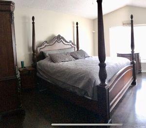KING Bedroom Set - Solid Wood for Sale in Boynton Beach, FL