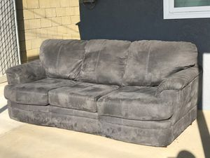 Couch for Sale in Beaumont, CA