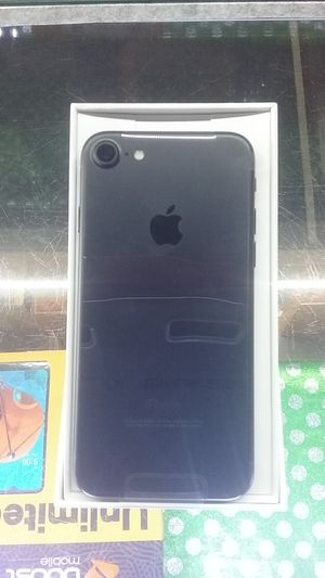BOOST IPhone 7 for Sale in Houston, TX