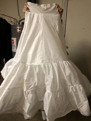 Wedding dress petticoat for Sale in Mesquite, TX
