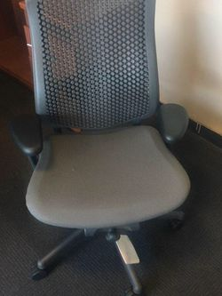 HERMAN MILLER CELLE OFFICE DESK CHAIR for Sale in Edgewood,  FL