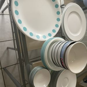 Free Bowl And Dishes for Sale in Bridgeport, CT