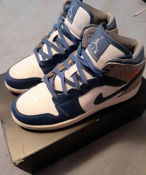 Air Jordan Force 1 Mid size 5.5 y for Sale in Hartford, CT