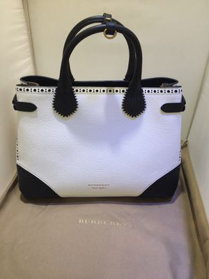 Brand New Burberry Tote Bag for Sale in Queens, NY