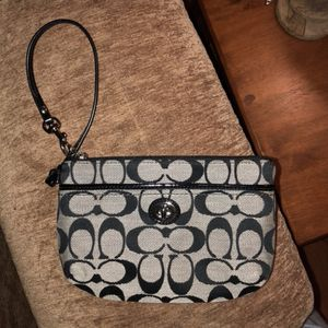 Small Purse/Wallet (Coach) for Sale in Springfield, VA