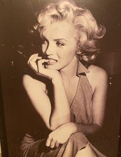 Marylin Monroe framed photo for Sale in Las Vegas,  NV