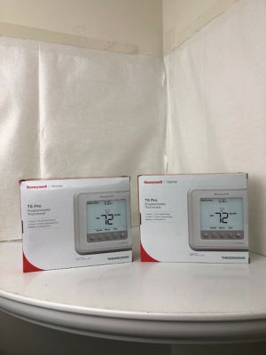 (2) Honeywell T6 Pro Digital Programmable Thermostat - TH6220U2000/U for Sale in Mint Hill, NC