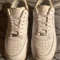 Womens Nike Air Force 1 (size 8) for Sale in Coquille,  OR