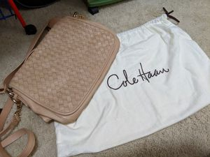 Cole haan cross body messenger bag for Sale in Houston, TX