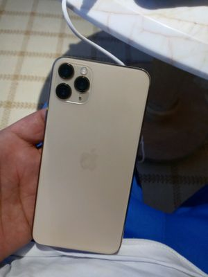 iPhone 11pro max and a life lock case for Sale in Milton, MA