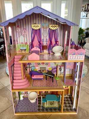 Like New KidKraft My Dream Dollhouse for Sale in Wesley Chapel, FL