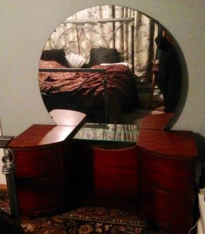Antique art deco vanity and stool for Sale in Kirkland, WA