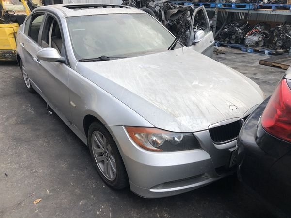 2006 BMW 325i parting out.
