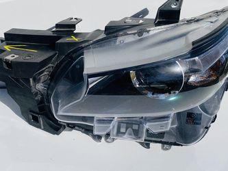 17/19 Mazda CX-9 Headlight LH Oem for Sale in Houston,  TX