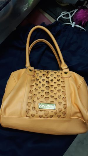 Peach Betsey Johnson purse for Sale in Moreno Valley, CA