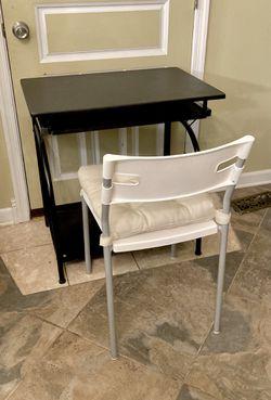 Black Desk & White Chair for Sale in Philadelphia,  PA