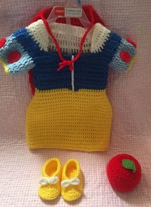 costume crochet (snow white) 00-03 months for Sale in Winter Haven, FL