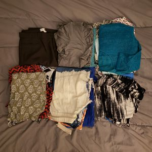 25 Pieces of Assorted Women's Clothing for Sale in Anaheim, CA