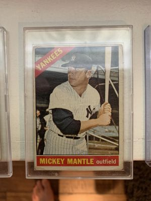 Mickey mantle plus other hall of fame vintage baseball cards for Sale in San Diego, CA