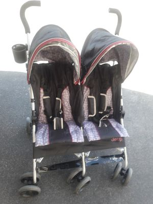 Like new jeep double stroller for Sale in Henderson, NV