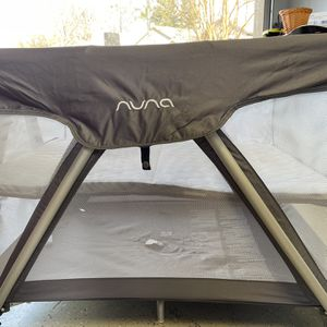 Nuna Sena Pack And Play With Bassinet And Changer for Sale in Fresno, CA